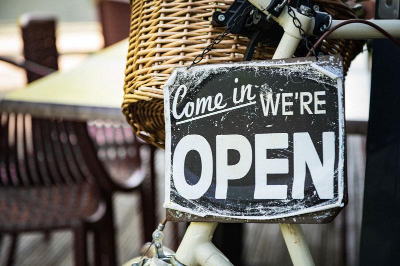 We are open. Corona-Info der Offenen Jugendarbeit Bregenzerwald. Die Jugendräume öffnen wieder.